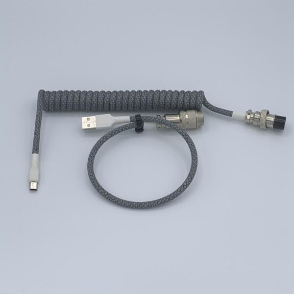 Detachable coiled cable mechanical keyboard